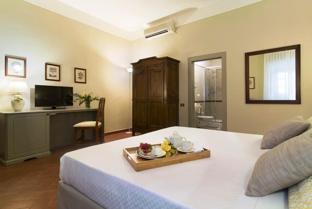 Camera-Classic-Hotel-Paggeria-Medicea-1024x688 La magia del Natale in Tenuta di Artimino