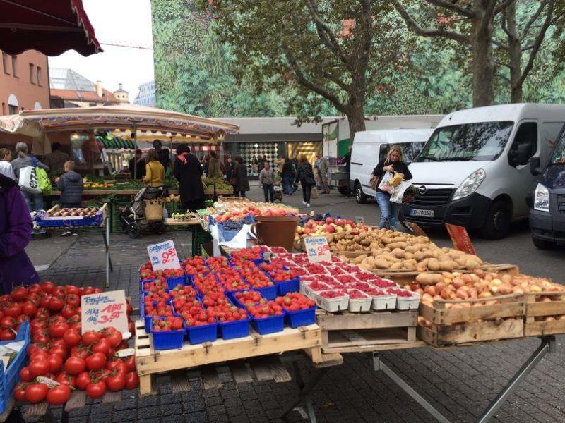 Frutta e verdura al mercato comunale di Stoccarda
