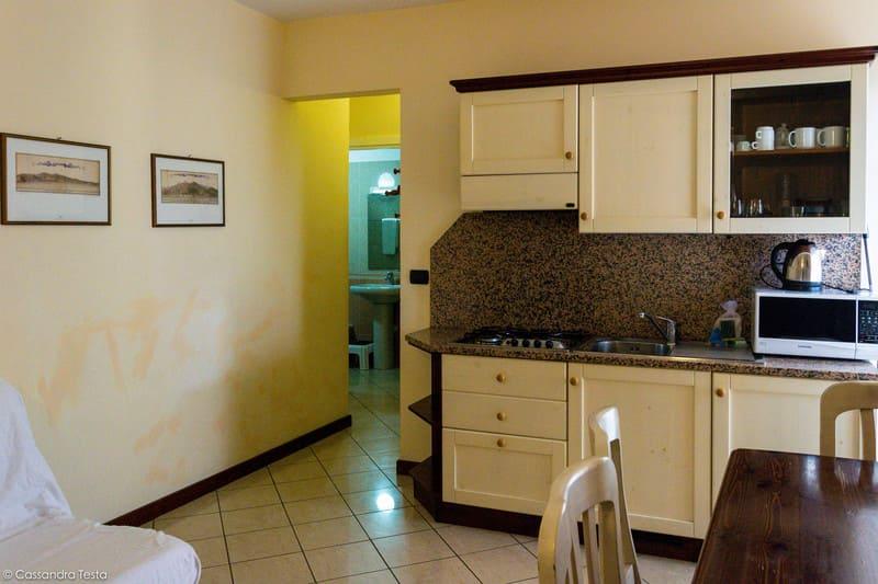 Cucina del mio appartamento al resort Villa Giada