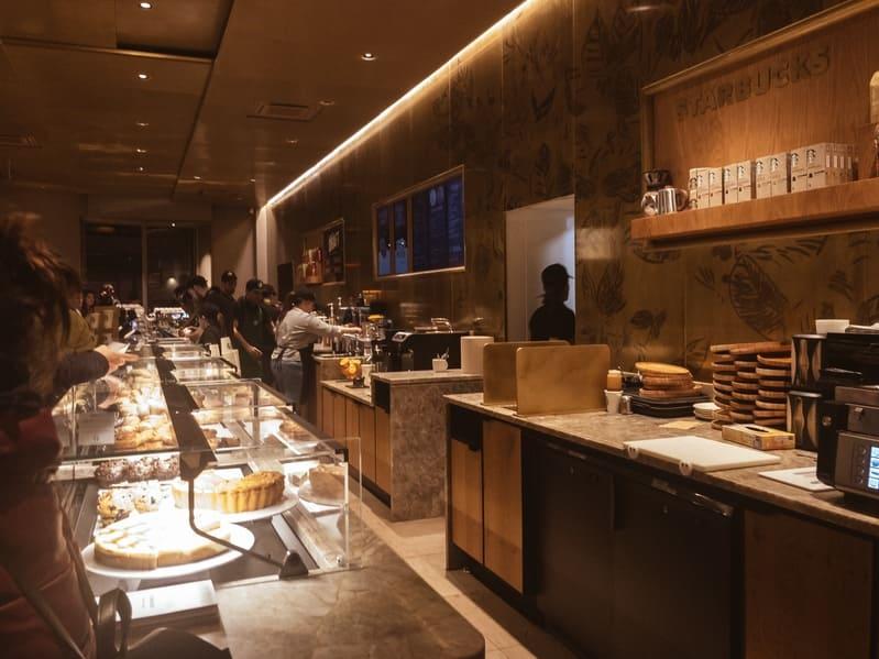 Interno Starbucks a Milano