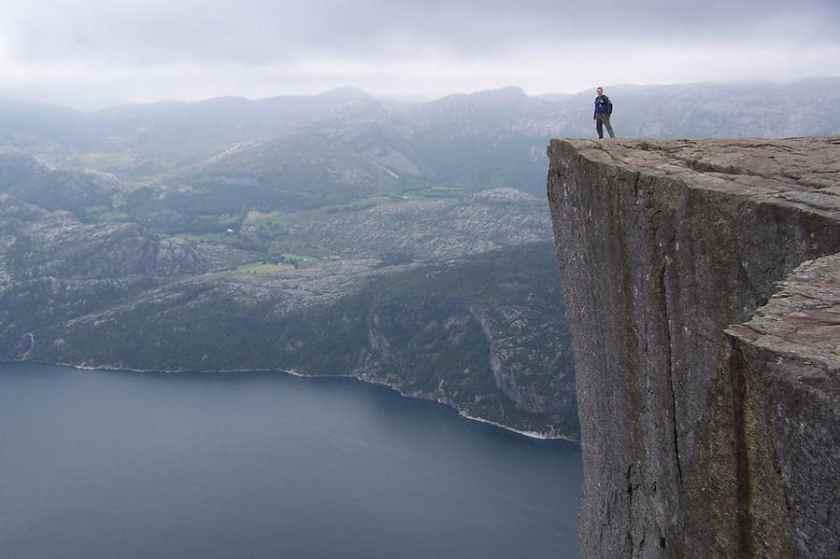 preikestolen-norvegia-2005