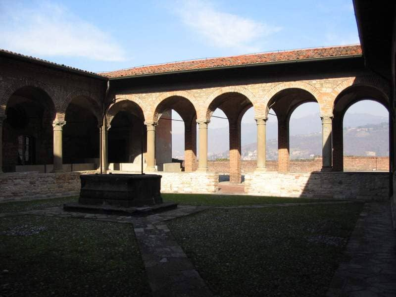 Chiostro del Pozzo, Bergamo