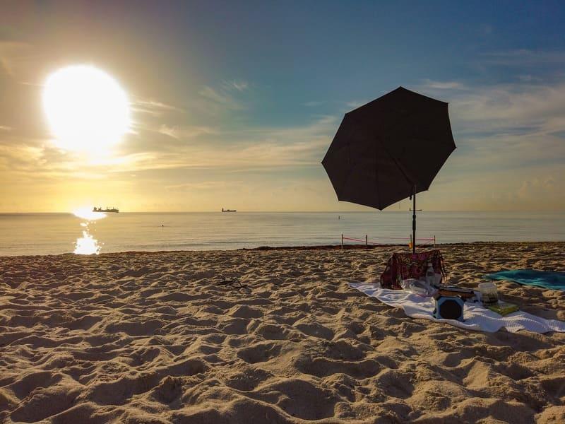 Yoga sulla spiaggia Hilton Beach Resort Fort Lauderdale