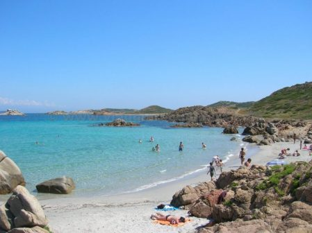 spiaggia baia trinita la maddalena