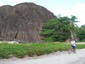 giant-rock anse source d'argent la digue seychelles