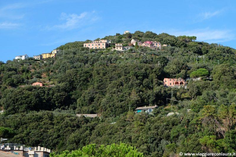 Le colline di Bonassola dalla stazione dei treni