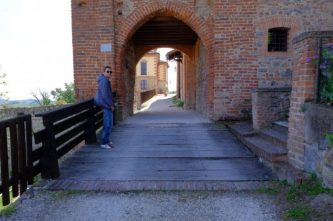 antico borgo castello tabiano
