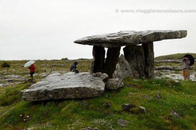 dolmen Poulnabrone burren ireland