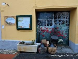 valloria paese porte dipinte liguria