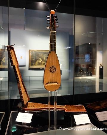 Museo Del Violino.Visitare Cremona Museo Del Violino Viaggiare Con Laura