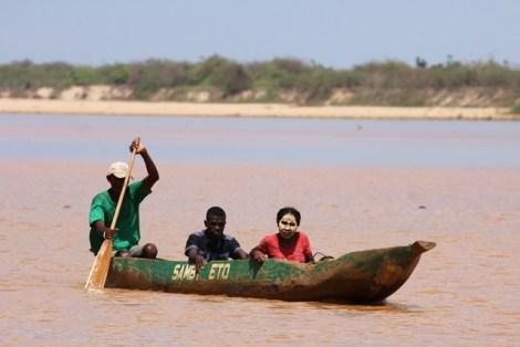 Madagascar - Navigazione sul fiume Tsiribihina
