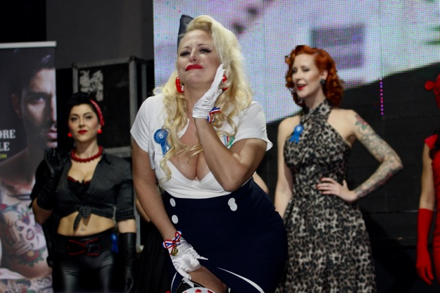 Eternal City Motorcycle Custom Show 2018 Roma pin up girl