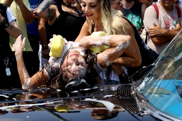 Biker Bikini Benefit 2018 - Sexy car wash