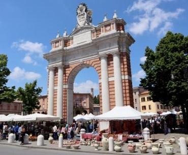Cosa vedere a Santarcangelo di Romagna visitare Arco Ganganelli