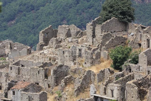 Borghi fantasma Casalinuovo Calabria cosa vedere