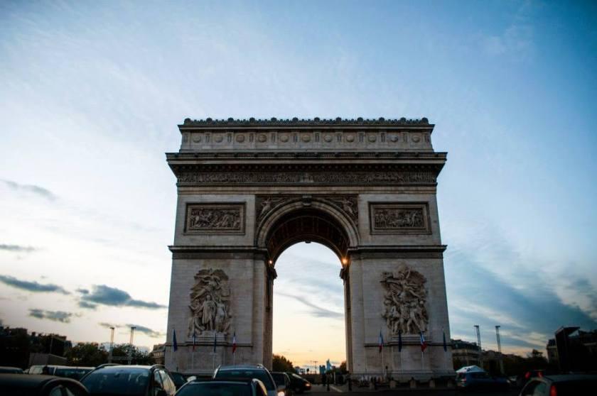 L'ARCO DI TRIONFO E GLI CHAMPS-ELYSÉES Parigi