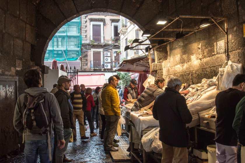a-piscaria-mercato-del-pesce-catania