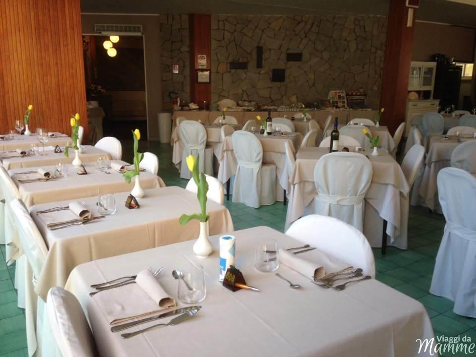 Hotel Airone Rimini: un albergo per famiglie nella Riviera Romagnola -sala ristorante-