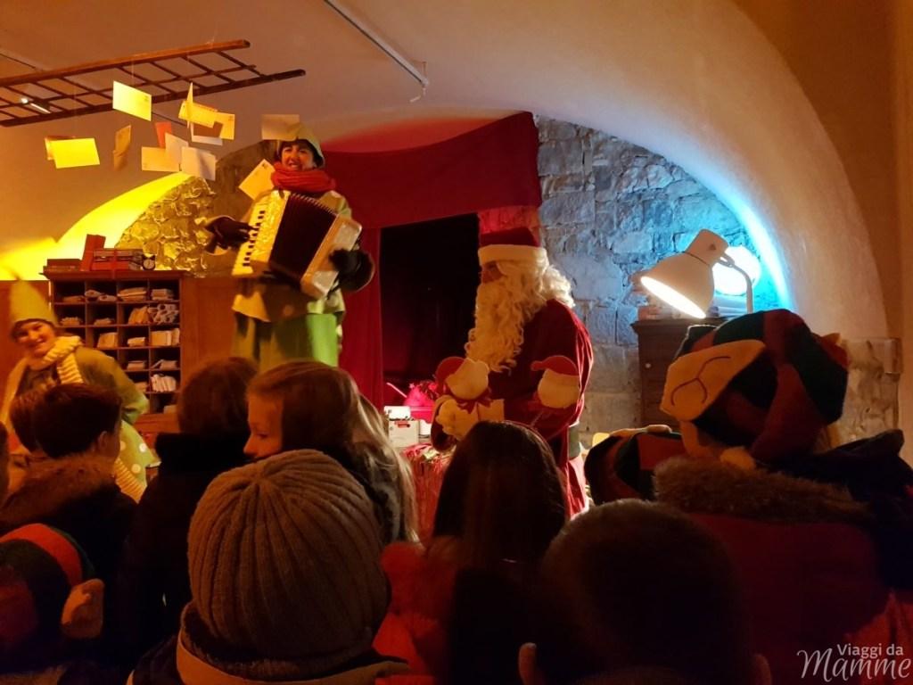 ELFO e Babbo Natale nella sua casa a Riva del Garda