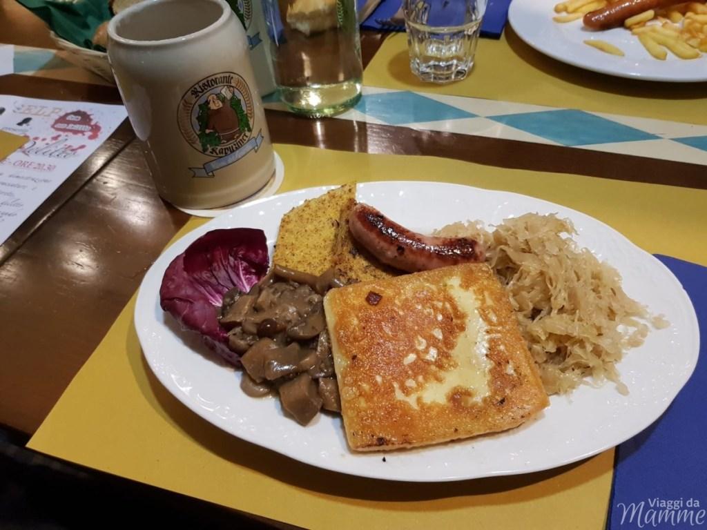 Specialità bavaresi/trentine al ristorante Kapuziner a Riva del Garda