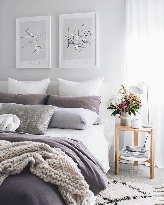 Rifinito con decorazioni a mano il capezzale su tela per camera da letto è un classico dell'home decor insostituibile nell'arredamento della vostra dimora. Come Appendere I Quadri In Modo Originale Viaggi Da Mamme
