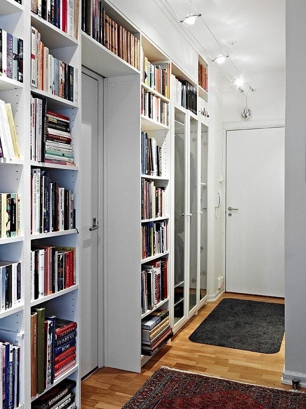 Come arredare l'ingresso di casa: 10 soluzioni -ingresso libreria-