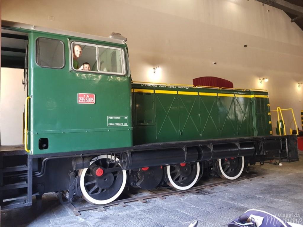 Museo Ferroviario di Pietrarsa e la storia del treno -quarto padiglione-