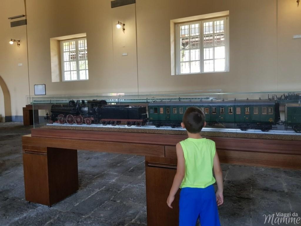 Museo Ferroviario di Pietrarsa e la storia del treno -settimo padiglione modellismo-