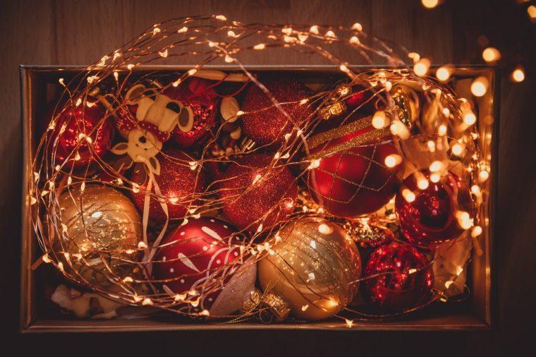 Sagome da attaccare ai vetri, centrotavola, segnaposti, portacandele. Addobbare Casa Per Natale Le Decorazioni Della Tradizione Viaggi Da Mamme
