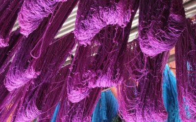 Nel souk dei tessuti di Marrakech – Foto