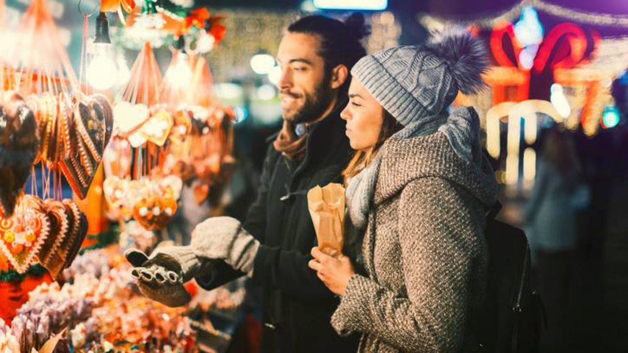 Il marché vert nöel è ormai un affermato evento natalizio e vetrina della migliore produzione artigianale ed enogastronomica della valle d'aosta. Mercatini Di Natale 2018 Ad Aosta Orari Date E Location