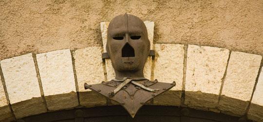 Quale identità celava la maschera di ferro?