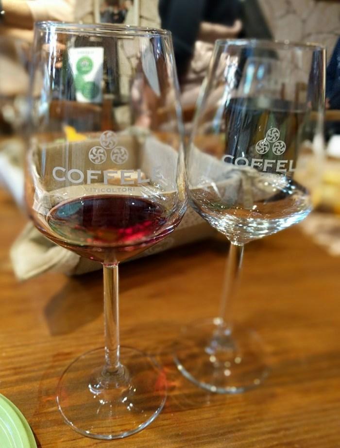 Degustazione di vino presso la cantina Coffele di Soave