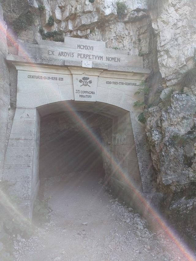 52-gallerie-pasubio-prima-galleria-sentiero