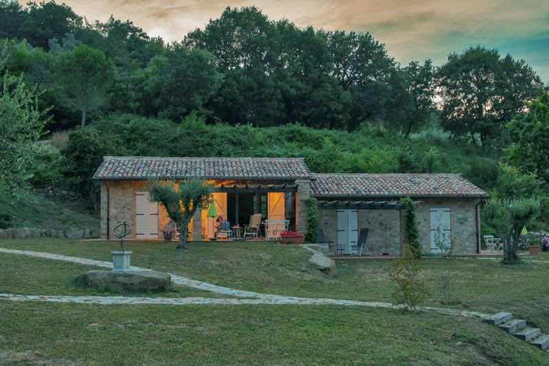 casa rustica nella natura in umbria
