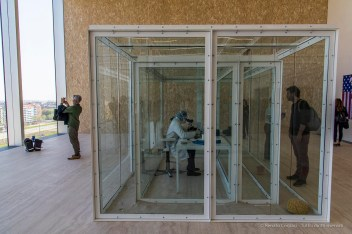 Damien Hirst, Torre Fondazione Prada, Milano