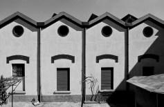 Dalla serie 1978/1980 Milano. Ritratti di fabbriche Formato 30x40 con passepartout 50x50