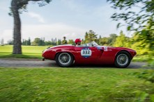 "Guy Berryman and Derek Hill on Alfa Romeo 1900 Sport Spider. Parco Giardino Sigurtà, Valeggio-sul-Mincio, maggio 2018. Nikon D810, 24 mm (24 mm ƒ/1.4) 1/100"" ƒ/5 ISO 64"