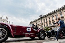 "Evert VN Louwman and Quirina Louwman on a Mercedes Benz 710 SSK (1929). Piazza Duomo, Milano, May 2018. Nikon D810, 20 mm (20 mm ƒ/1.8) 1/160"" ƒ/8 ISO 140"