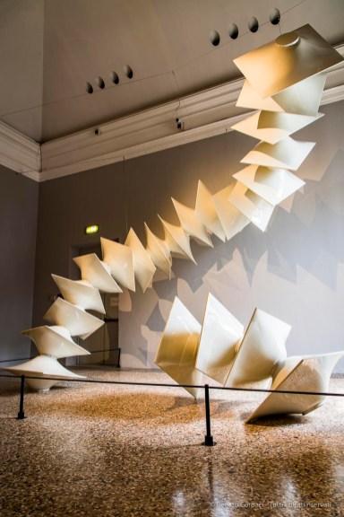 Agostino Bonalumi, Struttura modulare bianca XXXV Biennale d'Arte di Venezia 1970.Ricostruzione Milano 2018, Palazzo Reale, antologica Agostino Bonalumi (1958-2013)