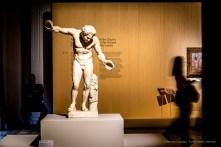 "Anonimo, Satiro danzante, frammento di un gruppo detto ""Invito alla danza"" (100-200 d.C.). marmo; 152 x 110 cm; inv. MR 190 – Ma 395. Paris, Louvre, Départements des Antiquités greques, étrusques et romaines"