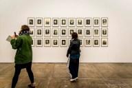On Kawara, Thanatophanies (1955-95). 30 litografie che rappresentano i visi deformati delle vittime delle bombe nucleari di Hiroshima e Nagasaki