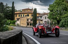 Andrea Vesco e Andrea Guerini, secondi classificati in via Bolognese con la ALFA ROMEO 6C 1750 SS Zagato del 1929 a Firenze