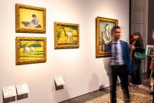 George Seurat, Contadina seduta nell'erba, 1883; Contadina al lavoro, 1882-83; Contadina con zappa, 1882 PaulCézanne, Uomo a braccia conserte (1899 circa)