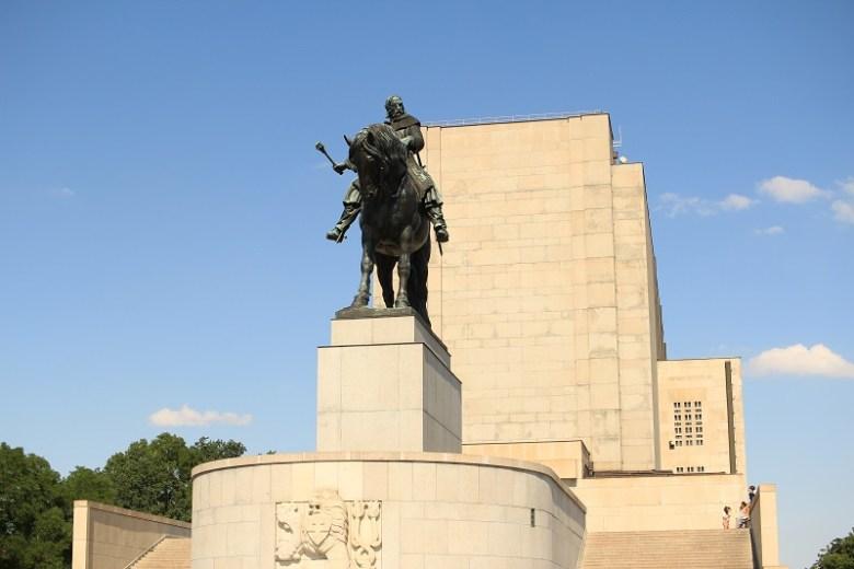 Quartieri di Praga Karlin memoriale Vitkov