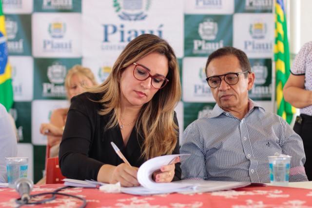 Secretária de Educação, Rejane Dias
