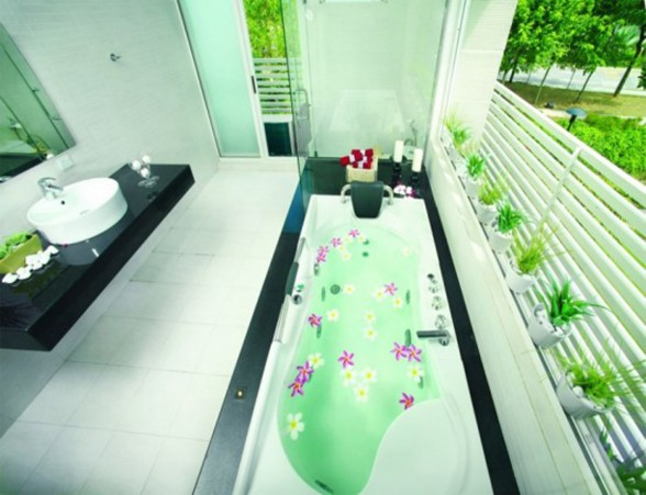 Great Tropical Houses in Urban Environment, Eco-Friendly Home Design in Malaysia - Bathroom