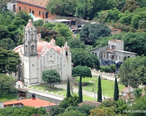 Iglesia del pueblo vista desde de el Cerro de los Ídolos