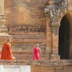 Novicio y monje en Sulamani