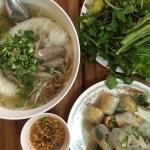 Sopa típica de Laos y spring rolls en el restaurante 3 sisters